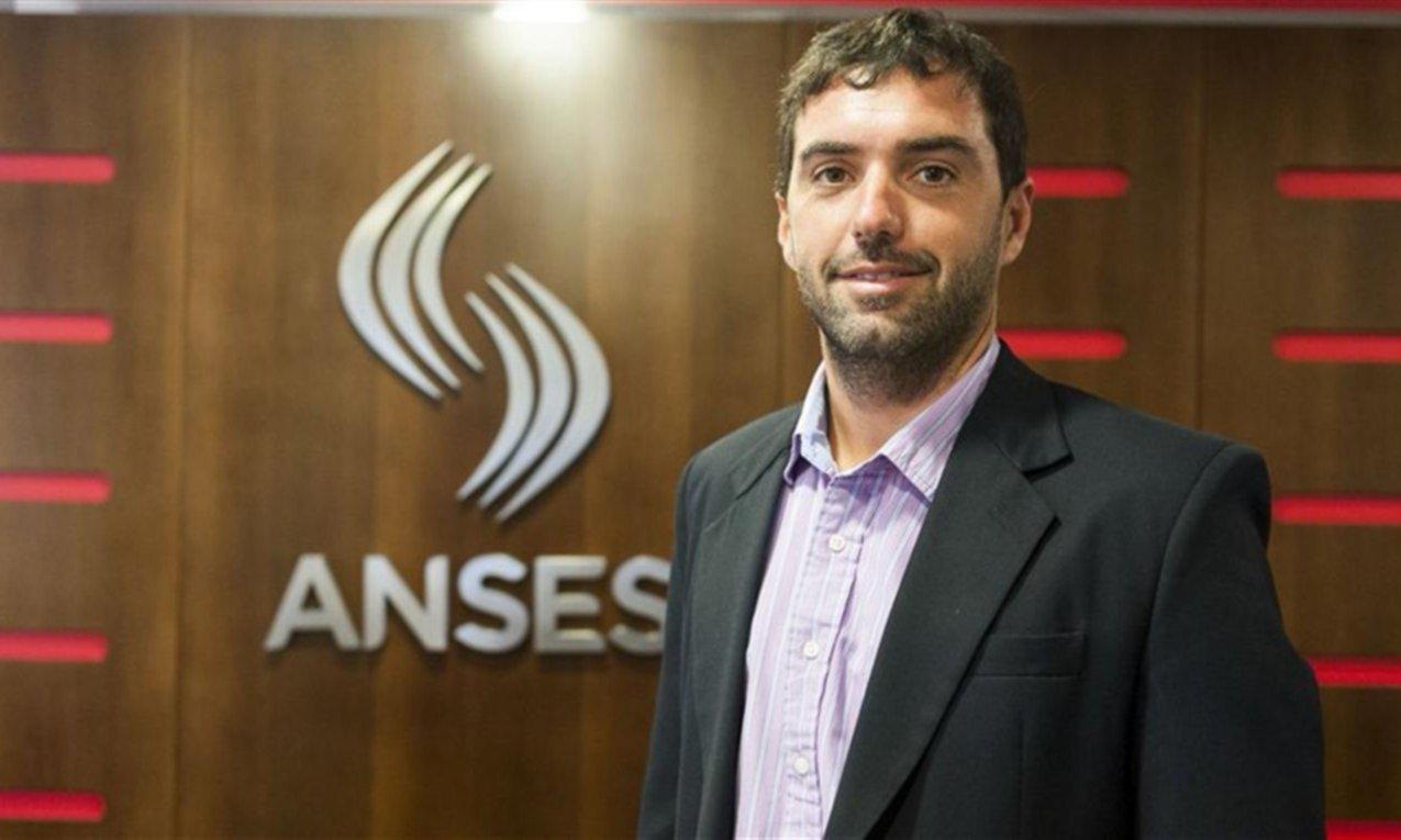 ANSES pagó comisiones por $ 540.000 a su ex fondo — Denuncia contra Caputo