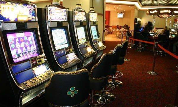 Vidal anuncia el cierre de casinos