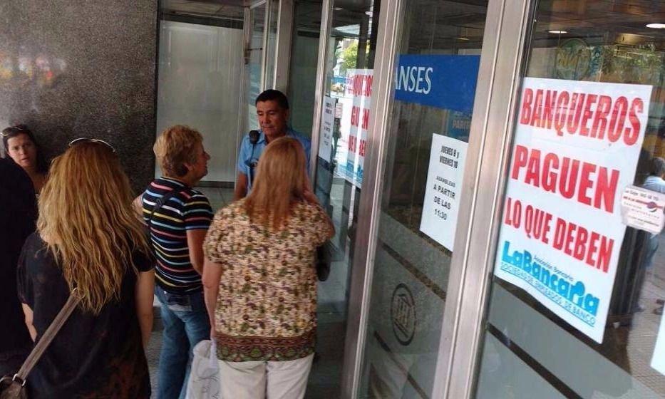 Este viernes no habrá bancos en todo el país