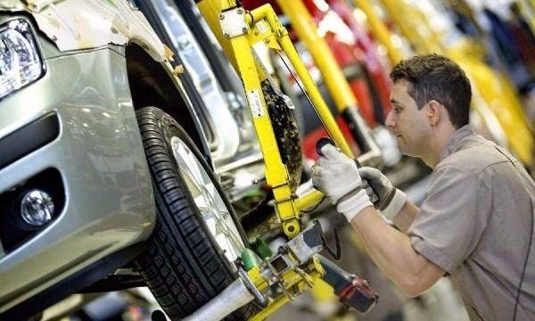 La UIA marcó una caída del 9% en la producción de febrero