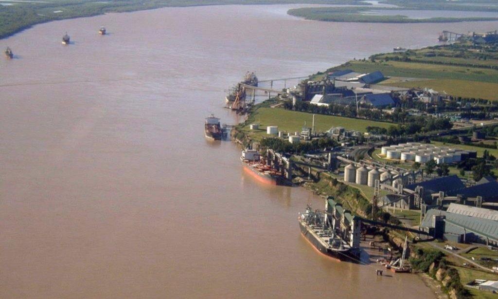 Trabajadores portuarios se reúnen mañana con aceiteras para alcanzar un acuerdo salarial