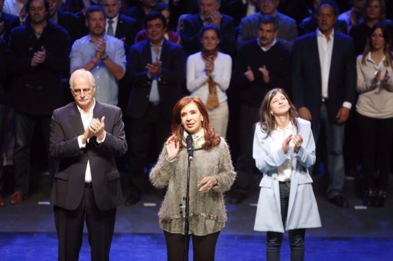 Cristina, Massa y Randazzo inician hoy la campaña oficial para las PASO