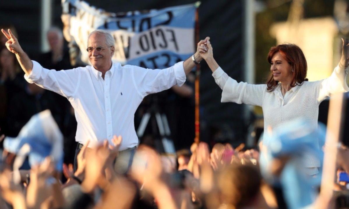 Cristina Fernández acusa a Macri de 'desmantelar' el Estado
