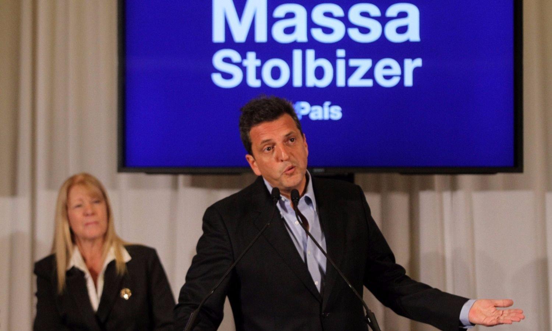 Massa reclamó un debate a sus contrincantes del 22-O