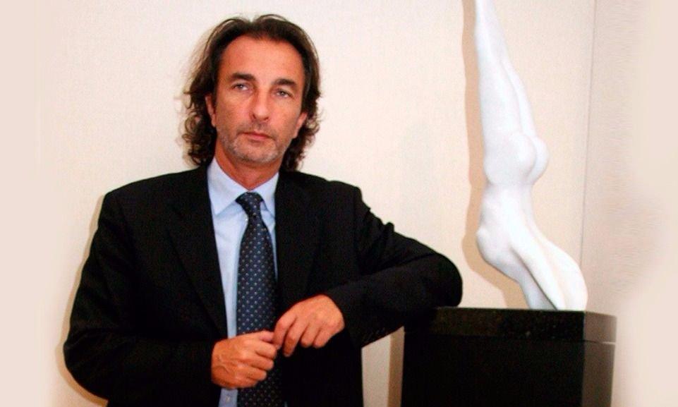 Piden embargar por $54 millones a Ángelo Calcaterra, primo de Mauricio Macri