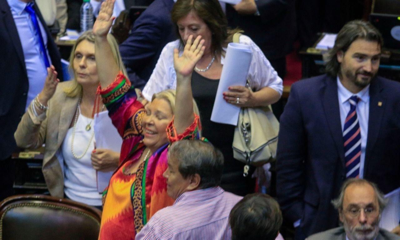 Mientras Gendarmería reprimía en el Congreso, Patricia Bullrich estaba en un cóctel