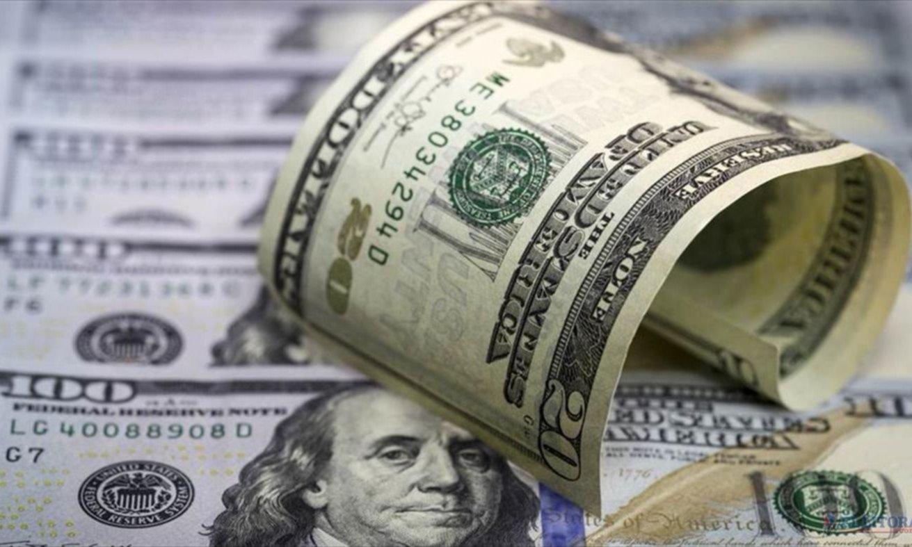 El dólar bajó 54 centavos y cerró el año en $18,92