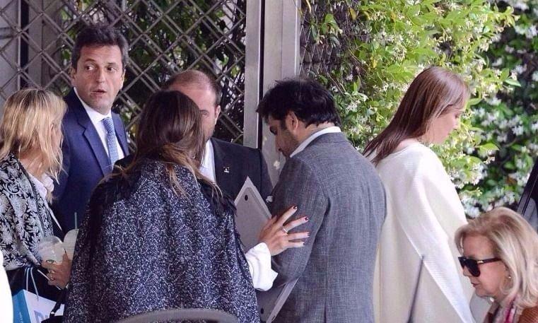 Massa va por la silla vacía en la Corte y tensa la cuerda con Vidal
