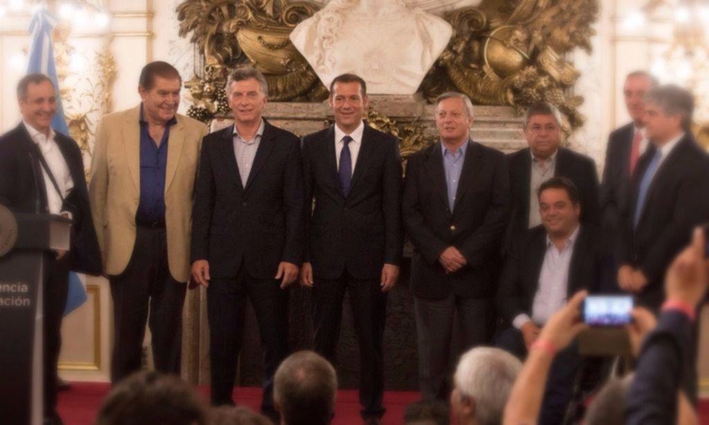 """Vaca Muerta: petroleros hablaron de """"autoabastecimiento"""" con Macri"""