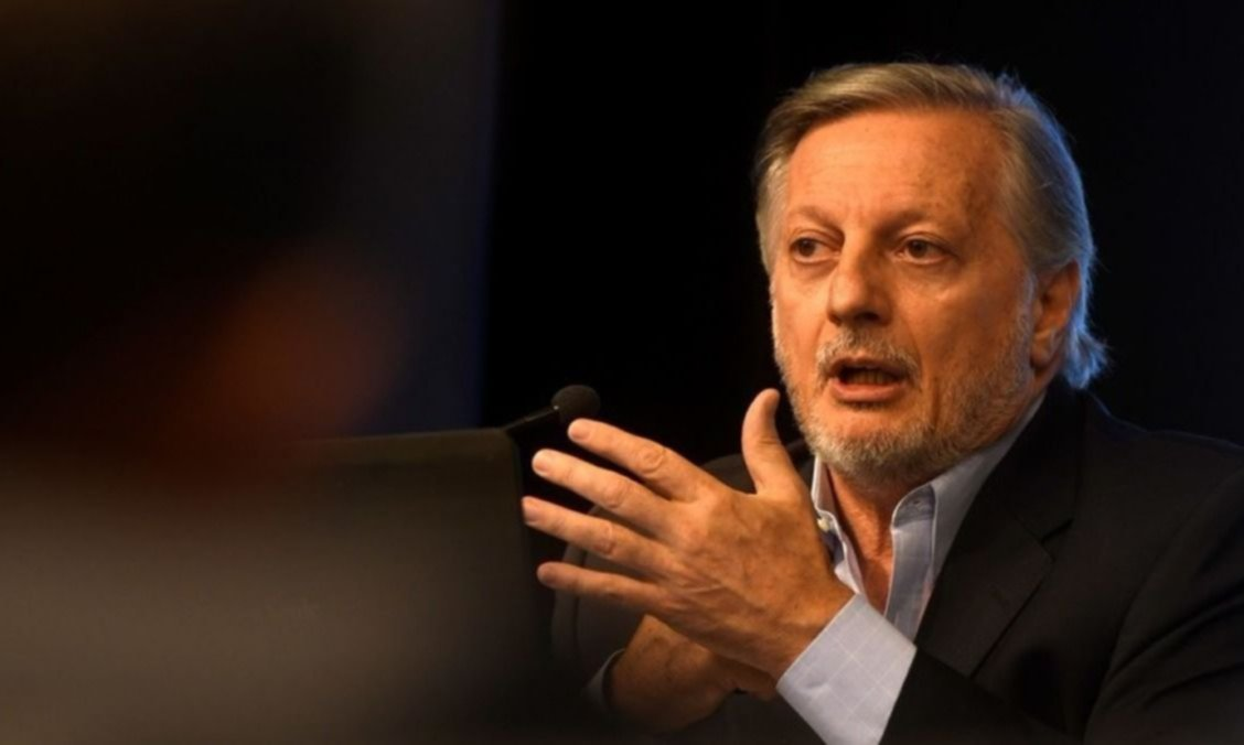 ENARGAS denunció penalmente a Aranguren por dolarizar las tarifas de gas