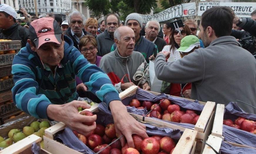 Otro dirigente patagónico respaldó el pedido de los fruticultores
