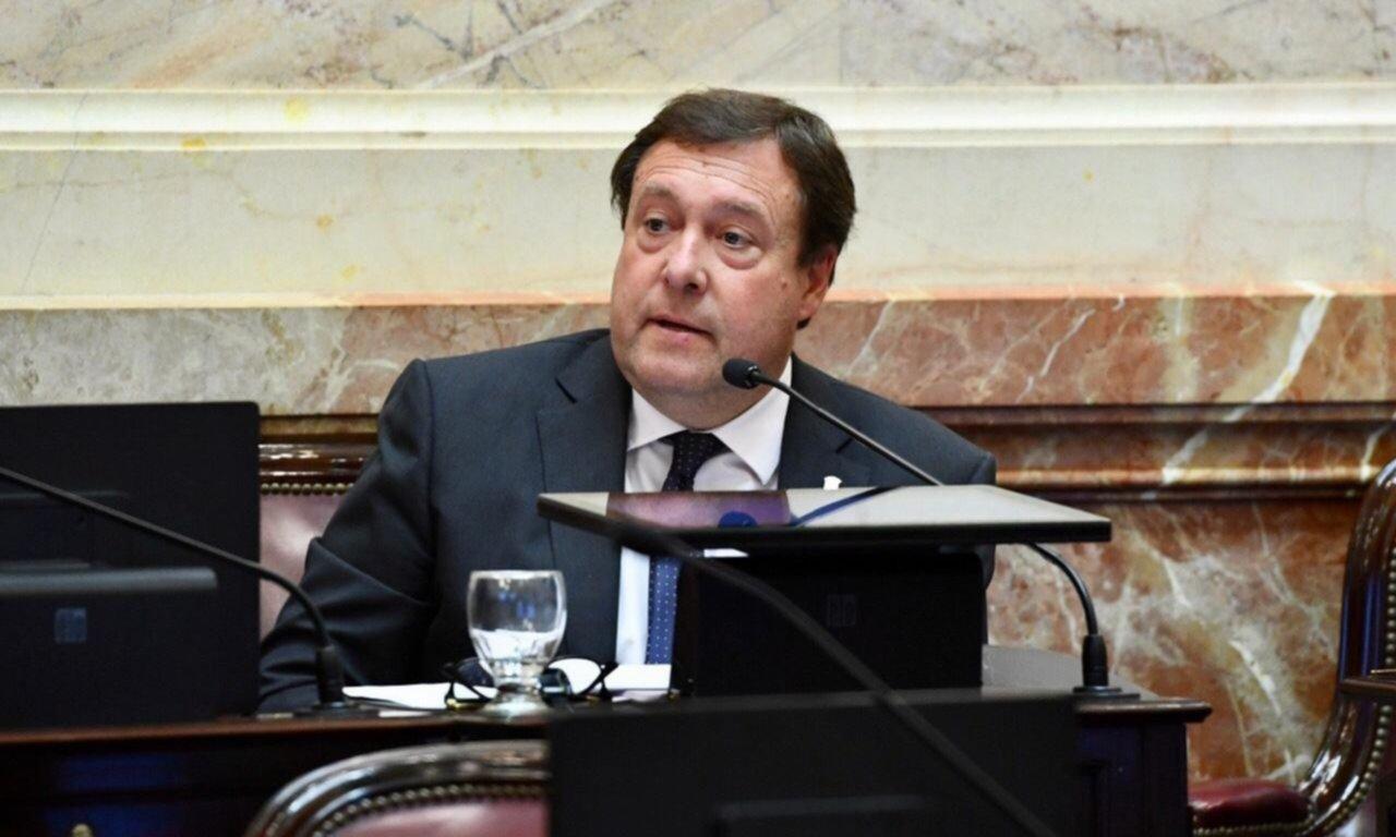 Weretilneck y una doble postura en el Senado