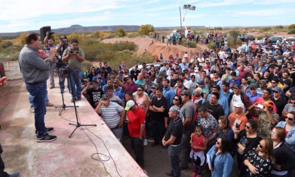 Pereyra amenaza a YPF por un conflicto en Vaca Muerta
