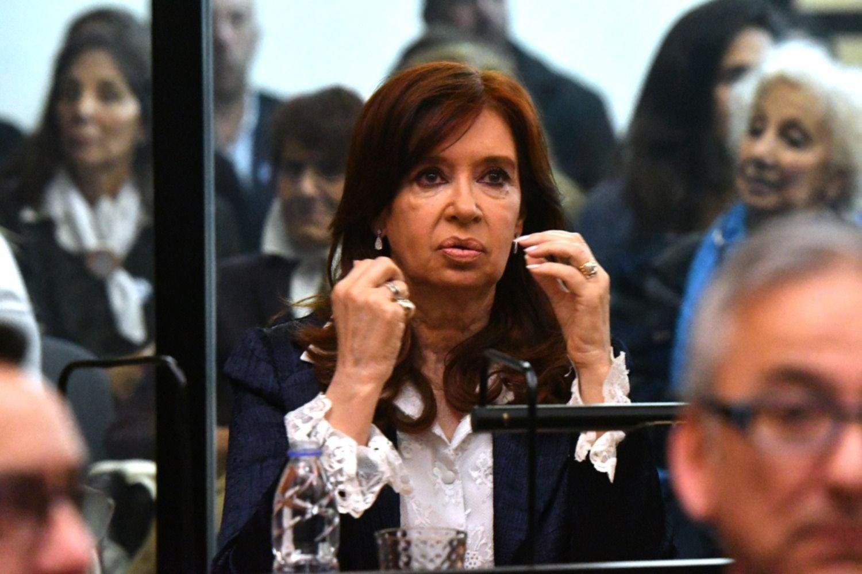 Por videoconferencia, se reanuda el juicio contra CFK por la obra pública