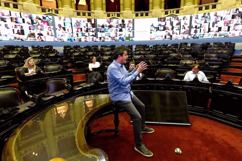 Mueve Massa: tras el 17-O, apura el Presupuesto con el protocolo en debate