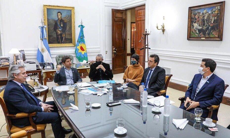 Minicumbre presidencial, el vidalista aplaudido y el festejo sin asado