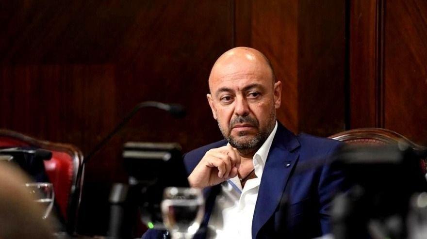 """""""El trabajo de intendentes de la oposición es para sacarse el sombrero"""""""