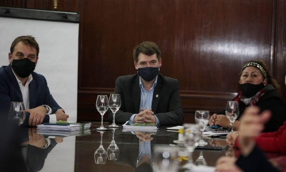 El Gobierno de Río Negro promueve el diálogo ante el conflicto de Villa Mascardi