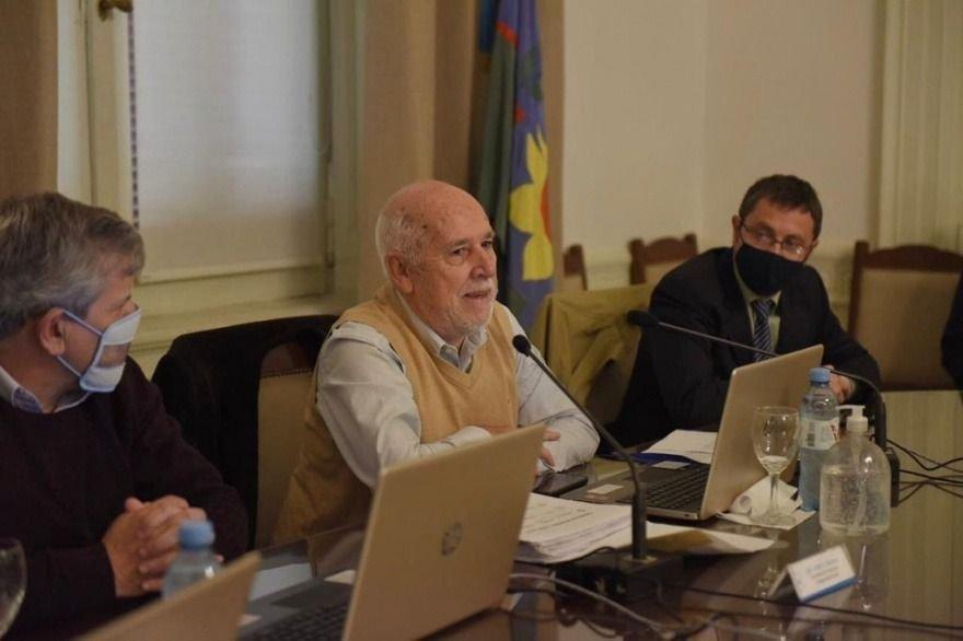 Santín despejó dudas sobre la transferencia del IPS y abrió fuego contra Vidal