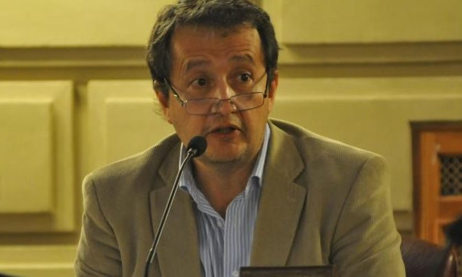"""""""Un hombre conservador como Perotti quiere defender a la empresa"""""""
