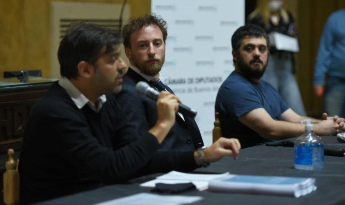 Cómo se armó la solicitada a dos bandas de Todos contra Vidal y Carrió
