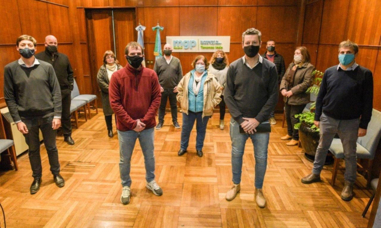 Mar del Plata: sin aval de Kicillof y por decreto, Montenegro reabre cafeterías
