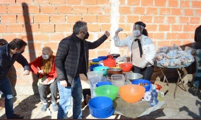 Piden a Kicillof abrir las cocinas de las escuelas para mejorar las ollas populares