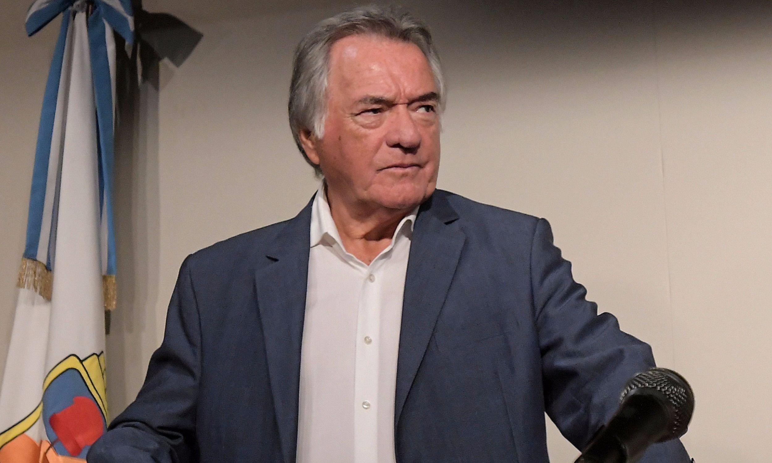 """Barrionuevo consideró que """"hay doble comando"""" entre Fernández y CFK"""