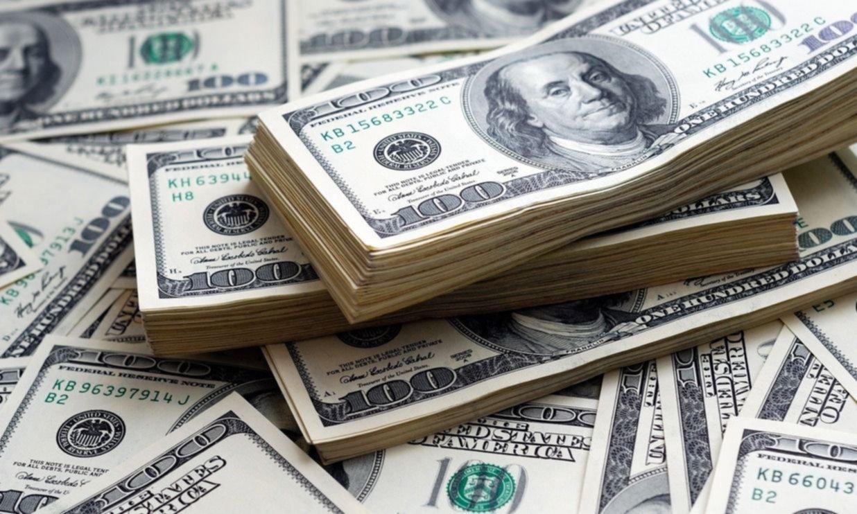 El Gobierno analiza la posibilidad de profundizar el cepo cambiario