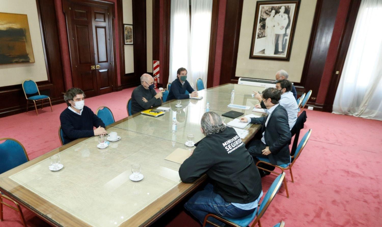 Diplomacia fría y espera: Fernández, otra vez árbitro de Larreta y Kicillof