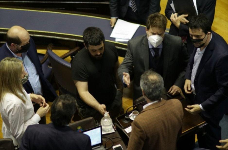 """Críticas del FdT al vidalismo legislativo: """"penoso, temerario e irresponsable"""""""