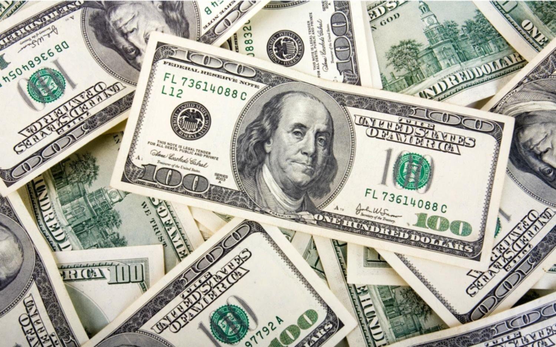El mercado responde al acuerdo con una fuerte caída del dólar paralelo