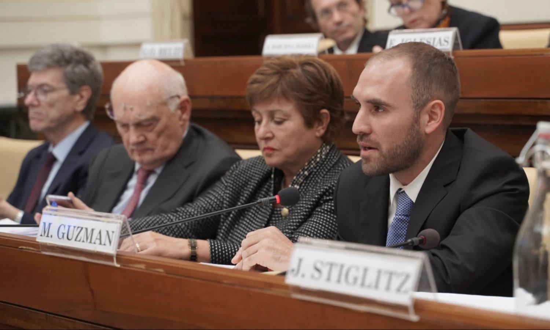 Tras el acuerdo, Guzmán alista las otras negociaciones: FMI y Club de París