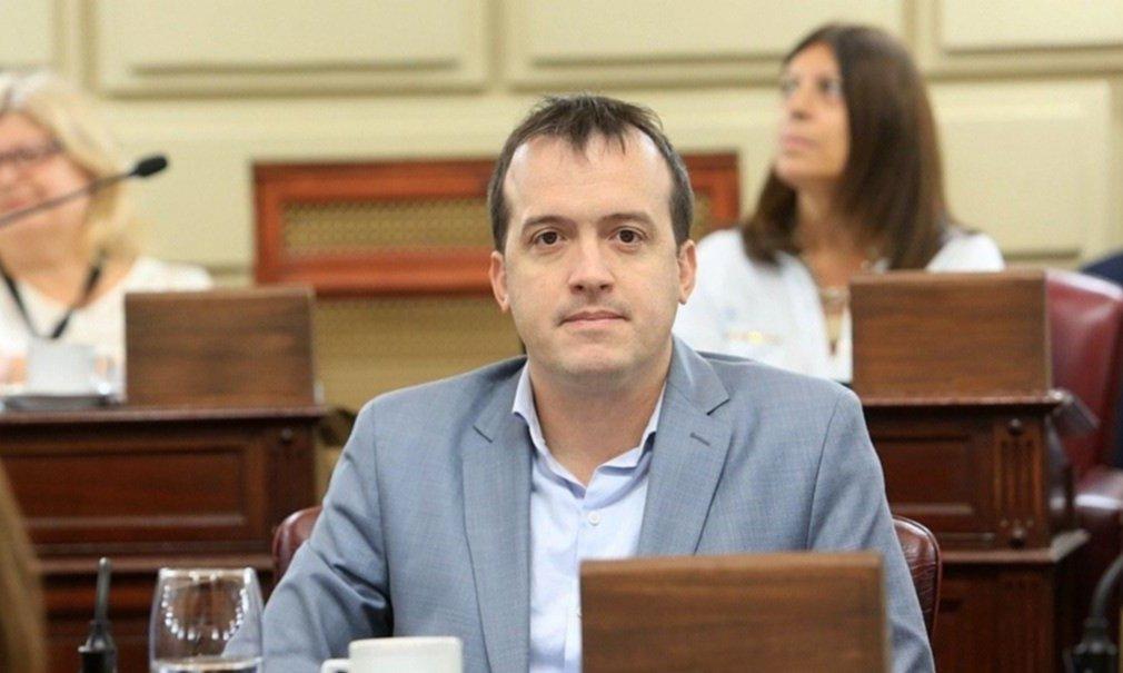 """""""Perotti es la cabeza de una coalición entre el agua y el aceite, sin proyecto"""""""