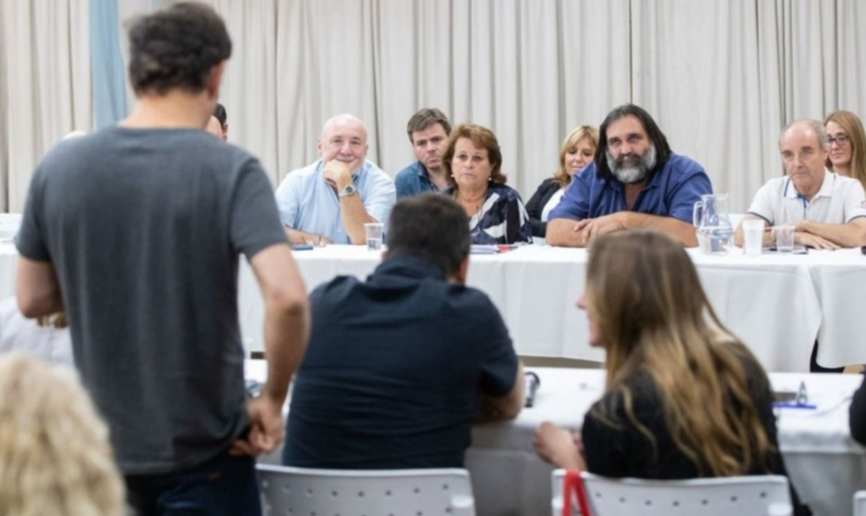 Efecto sirenazo: más presión de docentes a Kicillof por paritarias