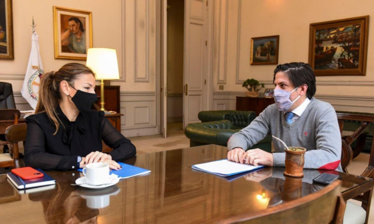 Guerrilla comunicacional PRO y fallido sitio a Trotta en la cumbre con Acuña