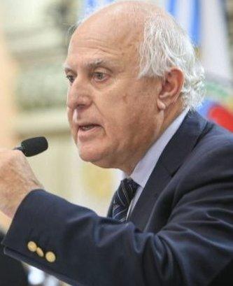 La doble estrategia de Lifschitz en su enfrentamiento con Perotti y Fernández
