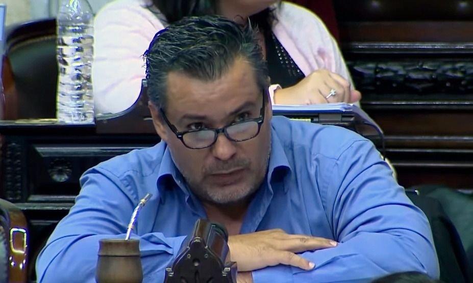 El diputado Ameri presentó la renuncia a su banca tras el escándalo sexual