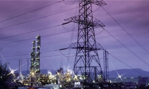 Las eléctricas aprietan por aumentos de tarifas desfinanciando a Cammesa