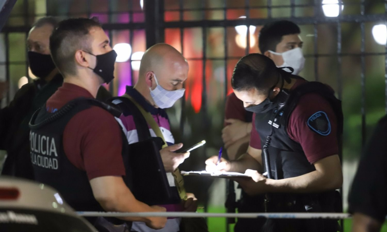Tras la muerte del policía, la Ciudad volvió a reclamar el uso de las Taser