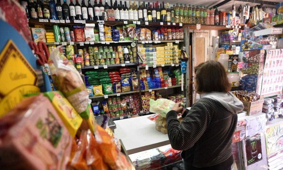 Minoristas alertan sobre aumento de precios y piden lupa estatal sobre la cadena