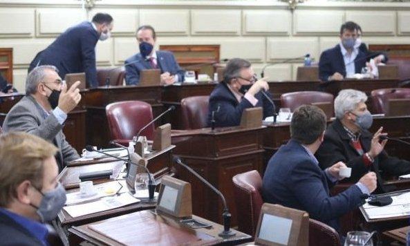 Hierve la Legislatura santafesina por un fallo que volteó la remoción de fiscales