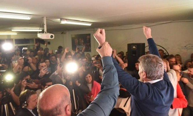 Bahía Blanca: Gay mejoró su performance y alcanzó la victoria con el 51%