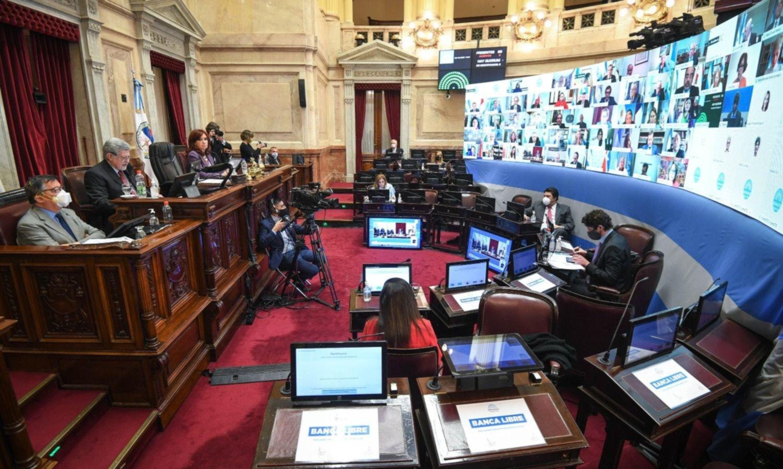 Oposición Ninja: JxC tiró otra bomba de humo y abandonó el Senado de CFK