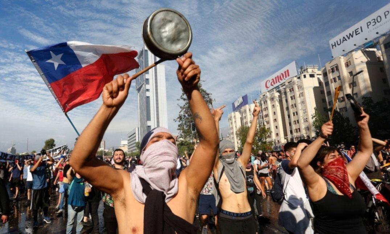 Octubre chileno: las tensiones y la crisis aumentan en un mes histórico