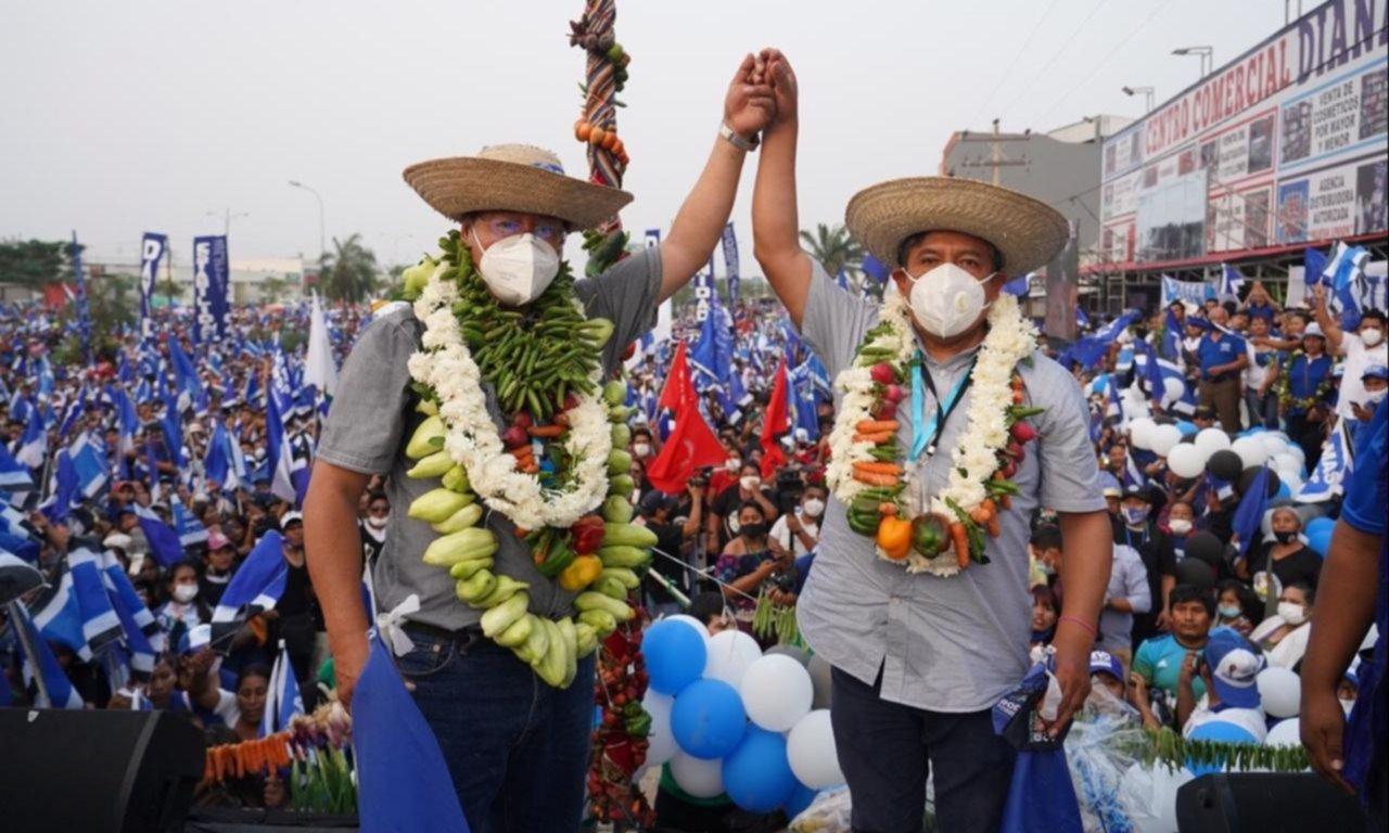 Tensa y polarizada, Bolivia vota para recuperar la democracia
