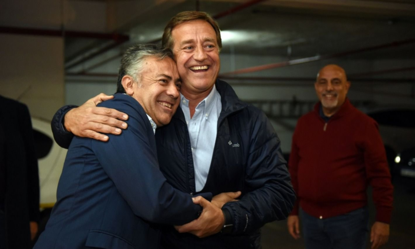 """Mendoza, """"la más difícil"""" para Fernández: pica con Suárez y la sombra de Cornejo"""
