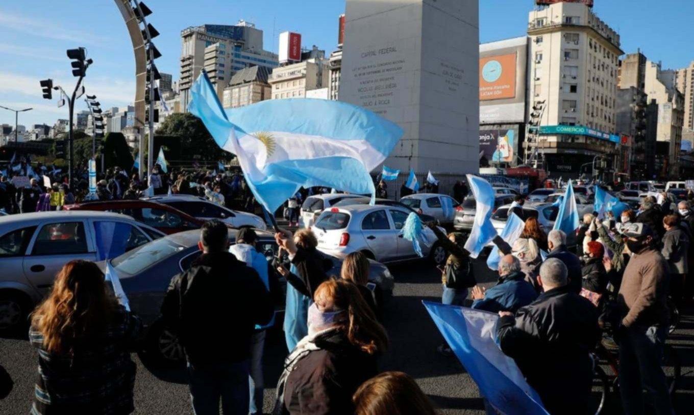 La oposición dura prepara la reedición del mayor cacerolazo contra CFK