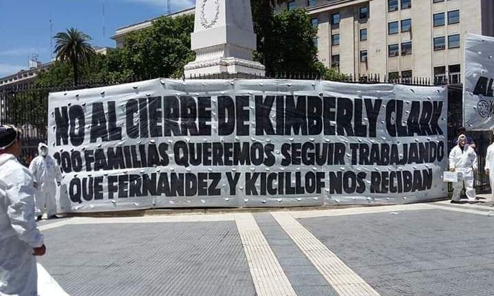 Trabajadores de una papelera que cerró piden que Kicillof los reciba