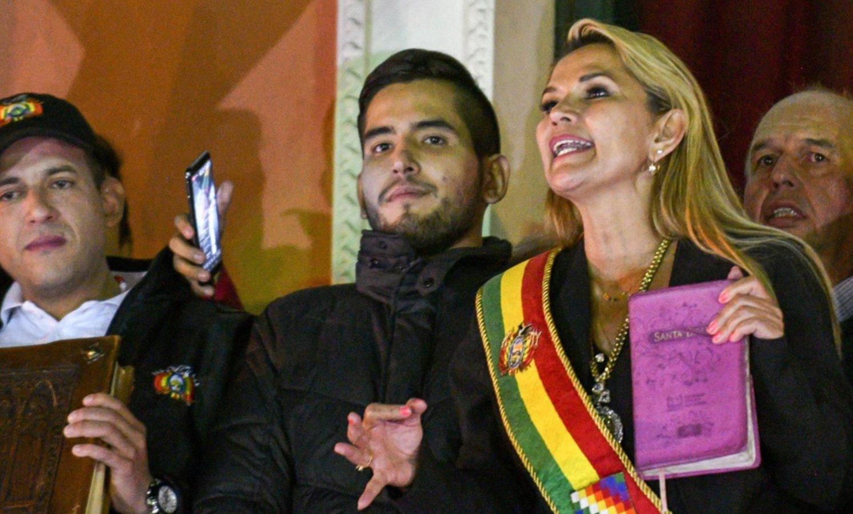 Por ahora, el Gobierno no reconoce a Jeanine Áñez como presidenta